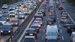 Търсенето на нови коли в света силно намалява