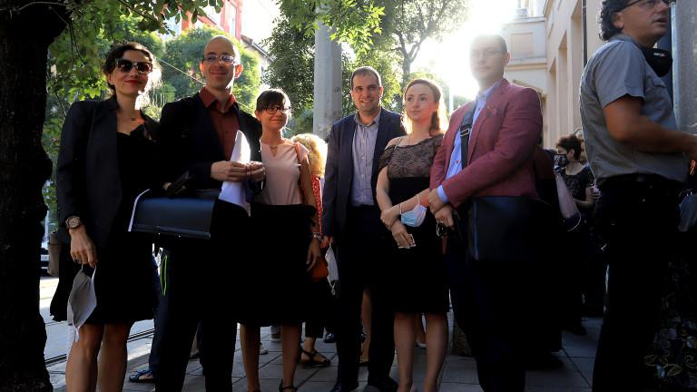 Съдии излязоха на протест пред Висшия съдебен съвет, съобшава bTV.