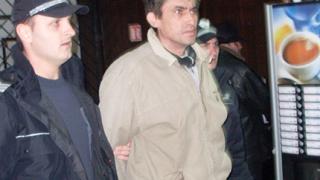 Бащата на изнасилвания Сашко влиза в съда