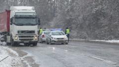 Автобус се удари в ТИР на пътя Русе-Бяла