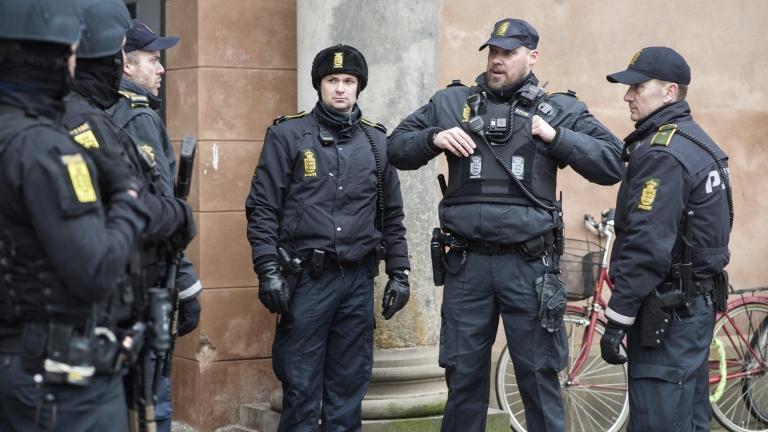Двама арестувани в Дания, опитали да снабдят ДАЕШ с дронове