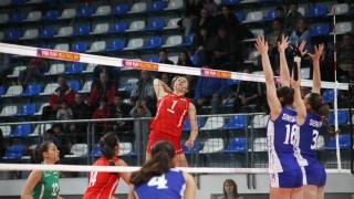 Девойките на България загубиха с 0:3 от Русия