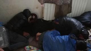 Задържаха 28 нелегални мигранти в София