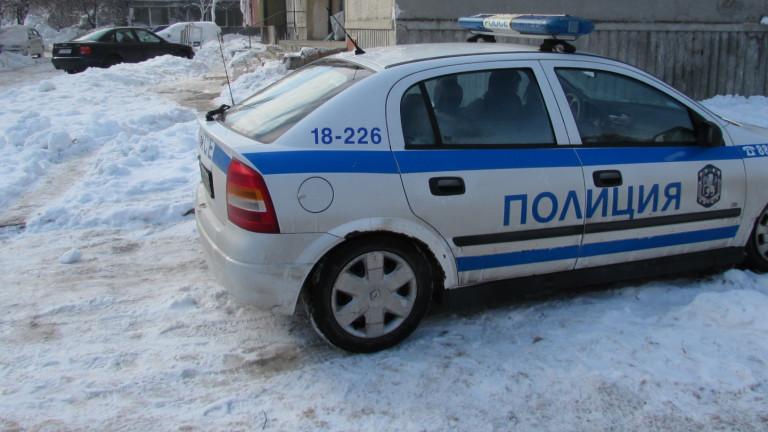Задържан е избягалият мъж, който блъсна полицай в София. Автомобилът