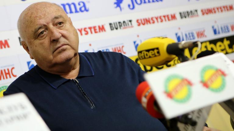 Босът на Славия Венци Стефанов обяви, че се оттегля от