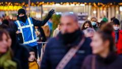 В Нидерландия задължиха носене на маски срещу коронавируса