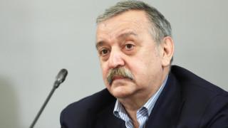 Кантарджиев: Политици не носят маска, за да си вдигат рейтинга