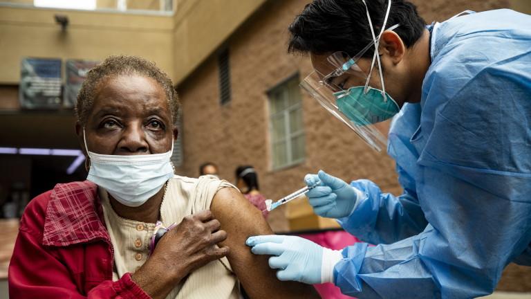 САЩ пак с близо 4000 починали от COVID-19 за денонощие