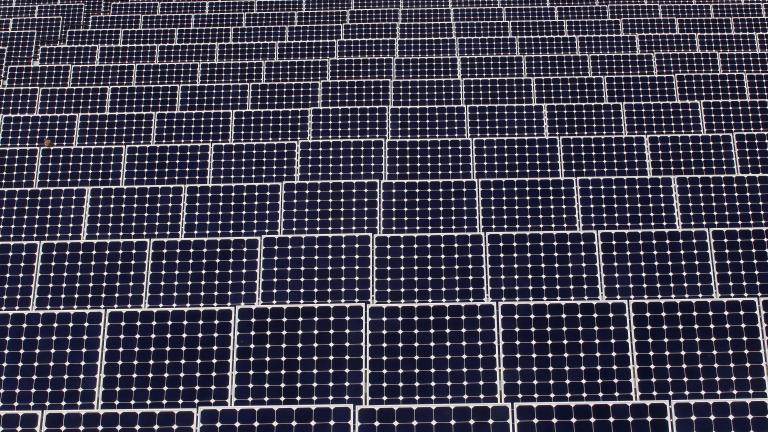Соларната енергия за първи път в историята мина по ръст традиционните горива