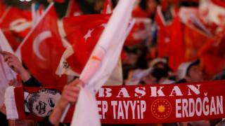 Турция издирва 33-ма научни работници за преврата миналата година