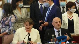 Томислав Дончев: Не сме плашливи, чуваме, но няма с кого да говорим