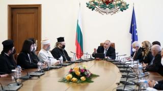 Борисов не забравя нито църквите, нито джамиите