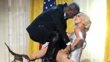 """Лейди Гага, Ар Кели, """"Do What U Want"""" и обвиненията в сексуално посегателство срещу изпълнителя"""