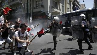 """В Гърция анархисти щурмуваха министерство заради терорист от """"17 ноември"""""""