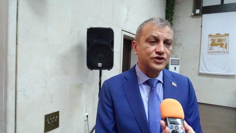 Илко Стоянов избира наместници след референдум