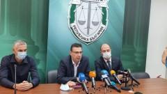 Откриха трион, нож и проектил, използвани при двойното убийство в Бургас
