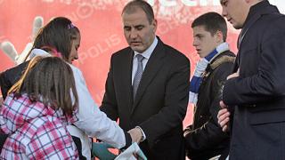 """Цветанов се извинява на """"засегнали се"""" лекари"""
