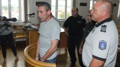 13 г. затвор за мъжа, нарязал жена си с моторна резачка