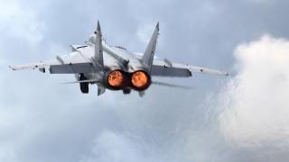 Русия прати изтребител срещу самолет на САЩ над Баренцово море