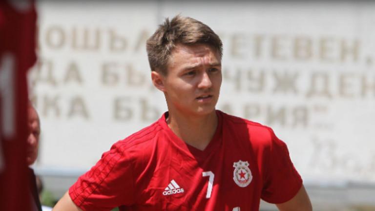 Денис Давидов няма да напуска ЦСКА