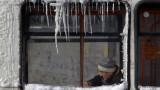 Тролейните жици в Пазарджик замръзнаха
