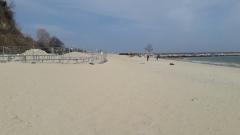 Над 100 са неохраняемите морски плажове