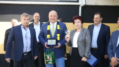 Mинистър Kралев откри ремонтираната тренировъчна зала в Перник