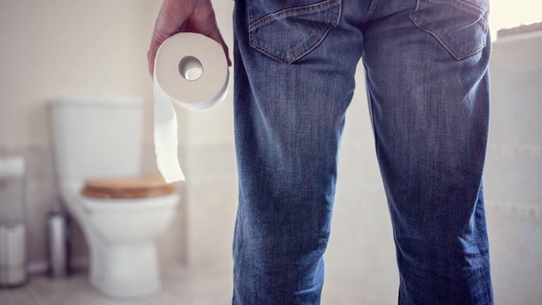 Тоалетна хартия + тоалетна чиния = неочаквано забавна комбинация