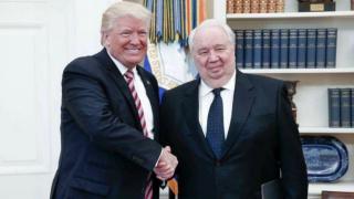 Американските служби слушали телефона на бившия руски посланик