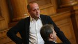 200 интелектуалци искат от Борисов оставката на Рашидов
