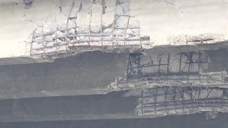 Жители на село Каранци недоволстват заради опасен мост