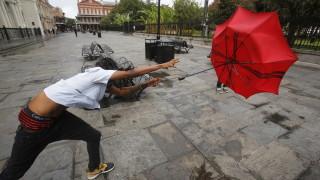 Луизиана и Мисисипи се подготвят за първия ураган за сезона