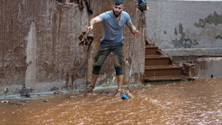 Откриха 20-а жертва на наводненията в Атина