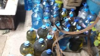 Митничари измъкнаха 780 л ракия от мазето на кюстендилец