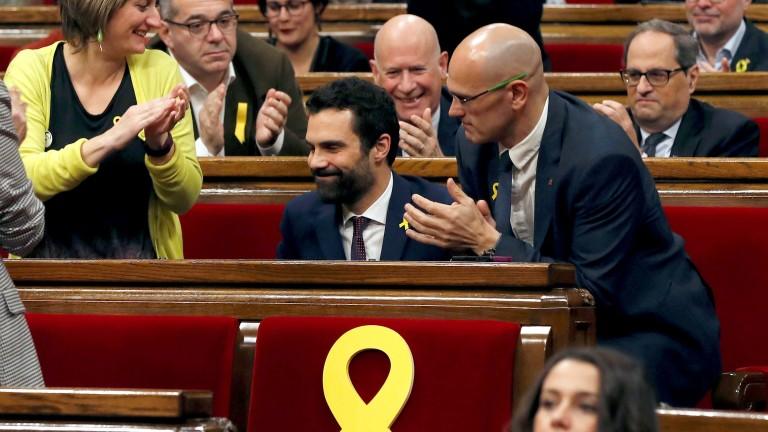 Каталунските депутати избраха сепаратист за председател на парламента, съобщава АФП.