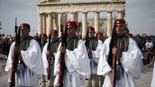 Британските туристи развързват кесията в Гърция