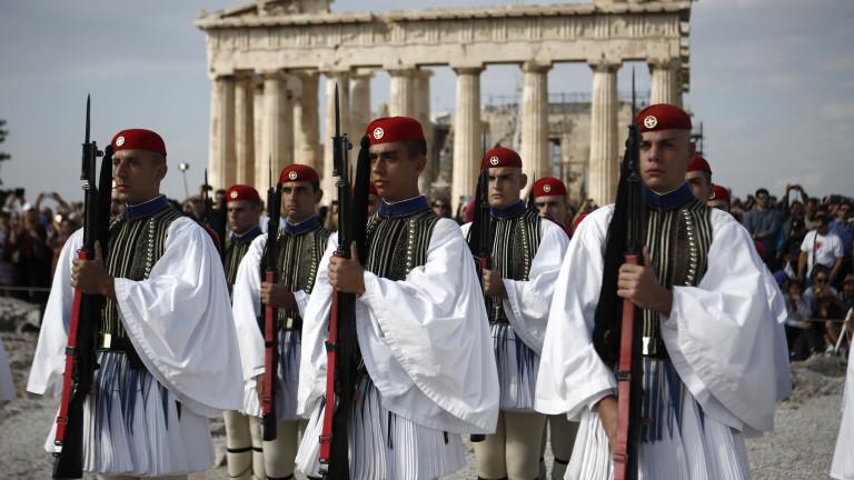 Тежки времена настъпват за хазяите в Гърция. Властите са започнали