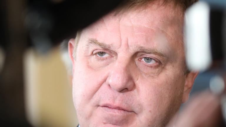 Лидерът на ВМРО Красимир Каракачанов призова Стефан Янев и Румен