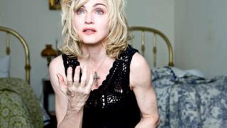 Мадона и Джоли съперници за режисьорския пулт