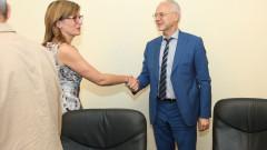 Екатерина Захариева обеща посолствата да помагат на бизнеса