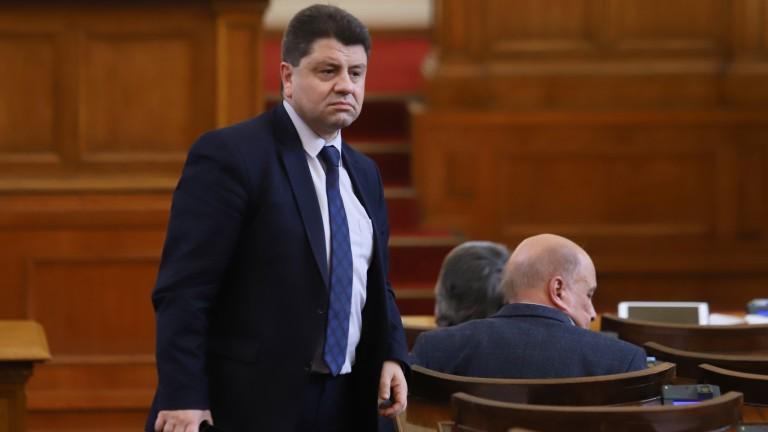 И ГЕРБ били заинтеровани от предсрочни избори, твърди Красимир Ципов