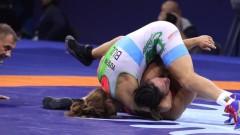 Тайбе Юсеин тушира американската си съперничка и ще се бори за златото на световното!