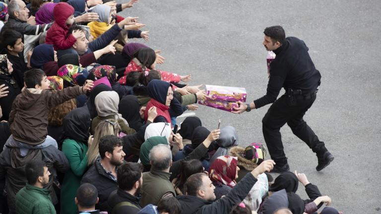 С четири жертви приключи гласуването в Турция
