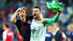 Невероятен вратар спаси три дузпи и прати Хърватия на 1/4-финалите на Мондиал 2018