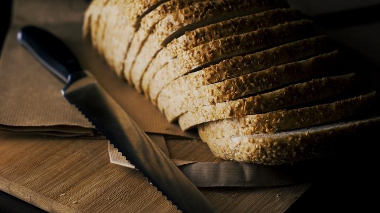 Хлябът продължава да е на всяка българска трапеза всеки ден
