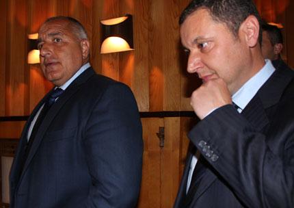 Яне Янев подписа с Борисов