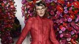 Мъжка гавра на модния подиум в Милано (СНИМКИ)