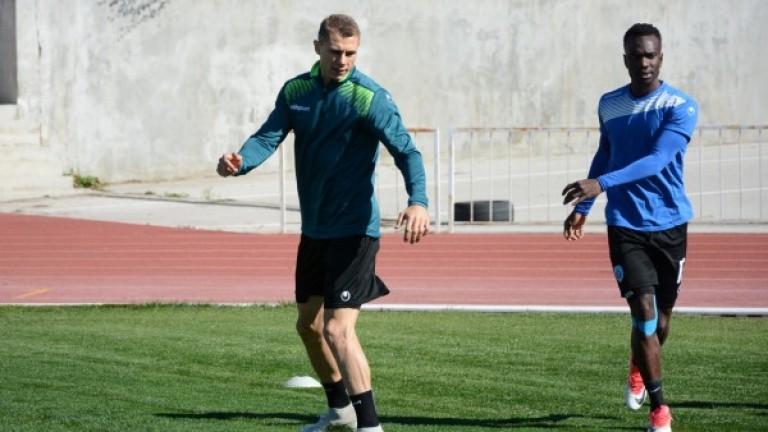 Черно море ще задържи Антон Огнянов