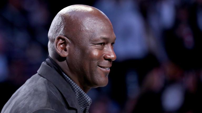 Легендата Майкъл Джордан закупи отбор от сериите НАСКАР