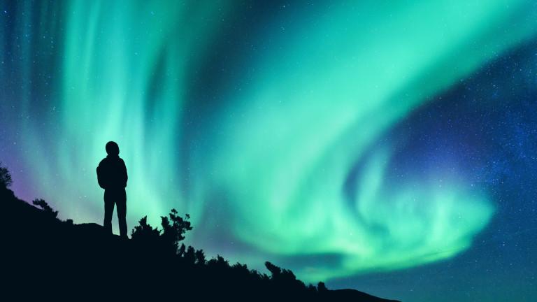 Северният магнитен полюс си тръгва от Канада
